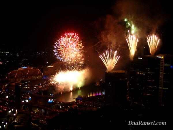 Kembang api Australia Day di Darling Harbour, Sydney.