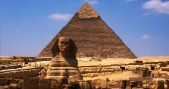 Piramida Khafre dan Sphinx di Giza, Mesir