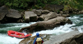 Arung jeram di Sungai Rangitikei
