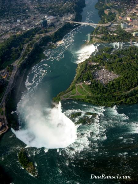 Air Terjun Niagara dilihat dari angkasa