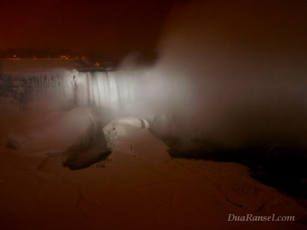 Niagara Falls in a winter night