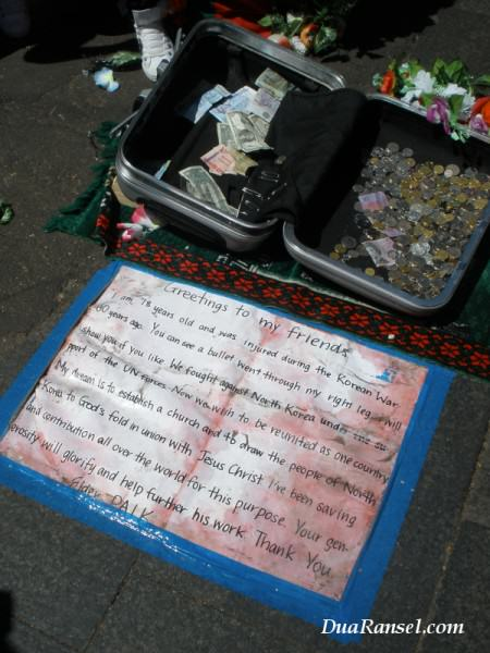 Elder Paik (street artist)'s note in China Town of Sydney