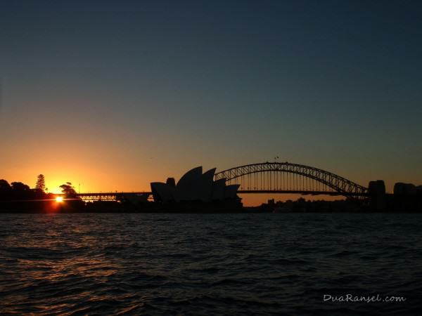 Sunset in Sydney Opera House, NSW, Australia