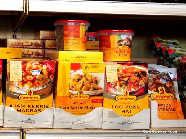 Bumbu instant Indonesia merk Conimex di Aruba, Karibia: Ajam Kerrie Madras, Foo Yong Hai, Pinda Satesaus