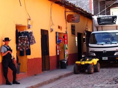 Honduras: Armed security guard in Copan
