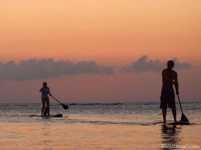 Sunset Paddleboarding in Roatan Island, Honduras