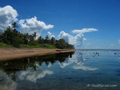 Fiji - Perfect mirror by the lagoon