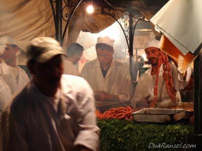Warung sosis di Jemaa el-Fnaa - Marrakesh, Maroko