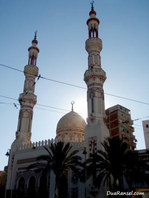 Sebuah masjid di Alexandria, Mesir