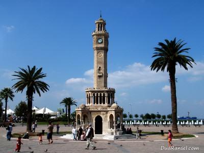 Menara jam di Izmir, Turki