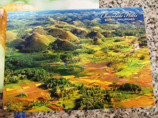 Kartu Pos DuaRansel 37-38 - Chocolate Hills Filipina - Anggeni Nila - Mina Munawaroh