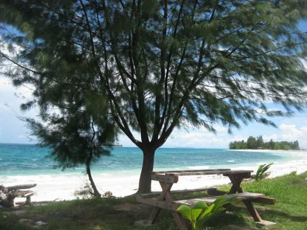 Turnamen Foto Perjalanan - Laut - Dodola Morotai - Christina Eka