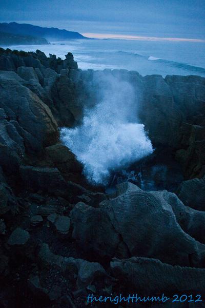 Turnamen Foto Perjalanan - Laut - New Zealand Pancake Rocks Blowhole - Pipiet Larasatie