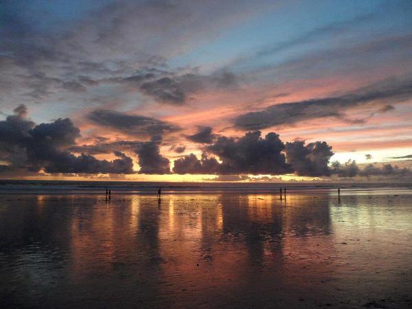 Turnamen Foto Perjalanan: Laut. Doublesix beach, Bali. © Greace