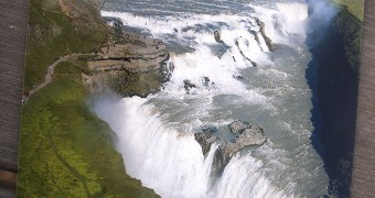 Kartu Pos DuaRansel 108 - Iceland Gullfoss waterfall - Backpackin Magz