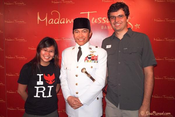 Madame Tussauds Bangkok - Soekarno and DuaRansel