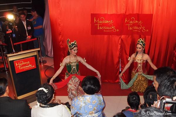 Madame Tussauds Bangkok - Peresmian patung lilin Soekarno - Tarian pembuka