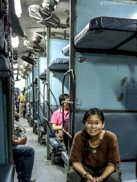 Sleeper class train kolkata varanasi