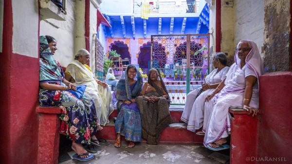 Jodhpur Blue City - temple and grandmas
