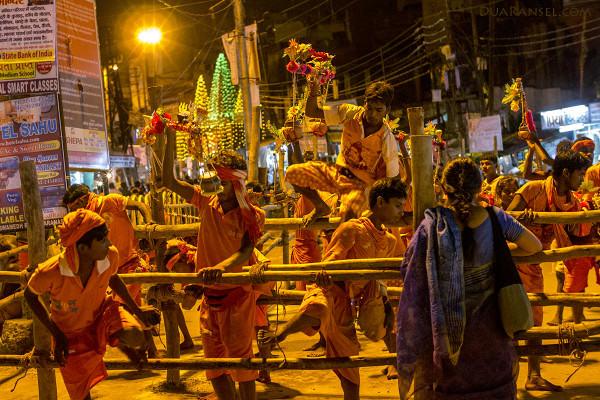 Pilgrims, Ganges River, Varanasi