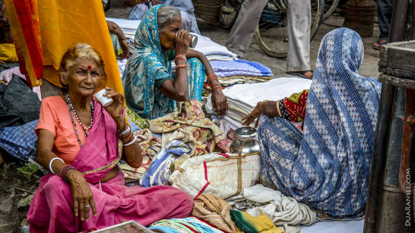 Sari and chai