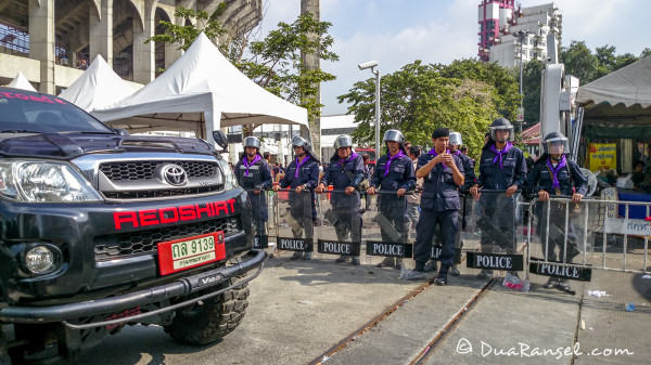 Red shirts truck. A few hours after bloodshed fight between yellow shirts and red shirts happened. Rajamangala Stadium, Bangkok.