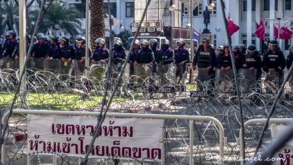 Barb wire in police headquarters siam bangkok thailand riot