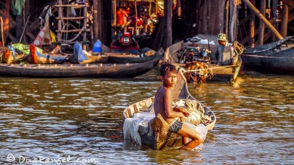 Bocah dan kapalnya | Kampong Khleang