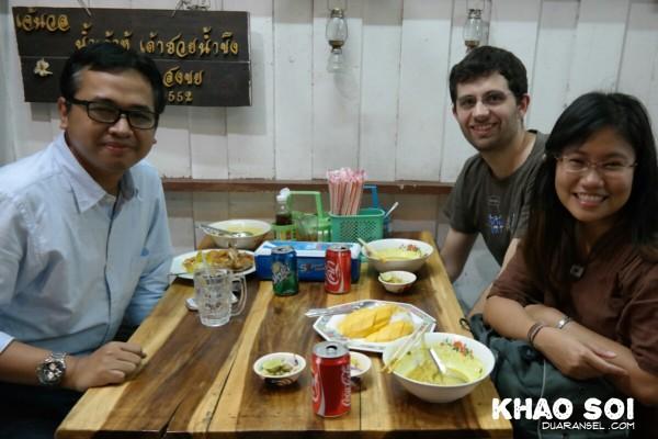 Khao Soi - Sukhumvit soi 38 Thong Lor Bangkok Thailand