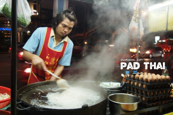 Pad thai pinggir jalan